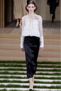Chanel dos piezas blanco y negro ss16 París