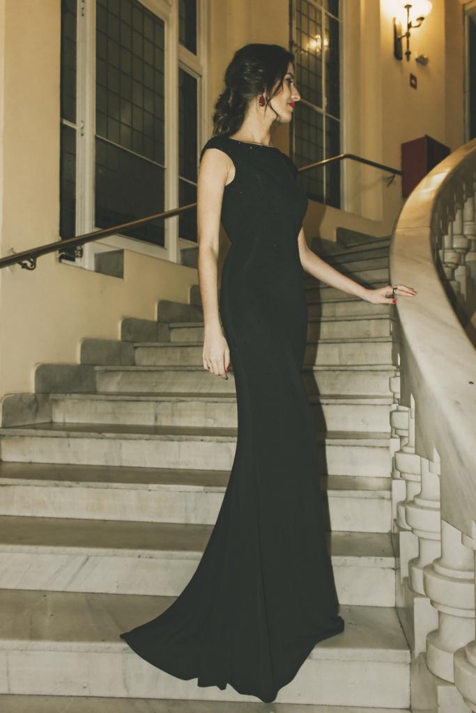 Vestido negro Pronovias