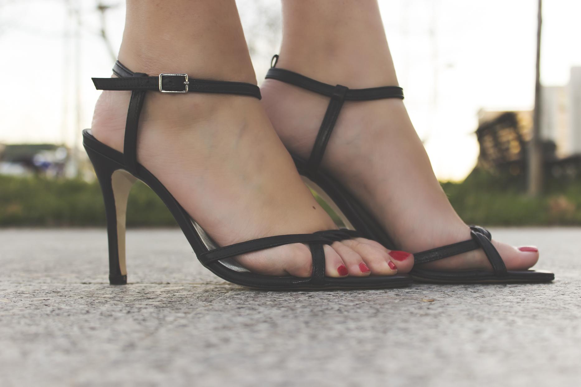 Zapatos negros Kelisalo