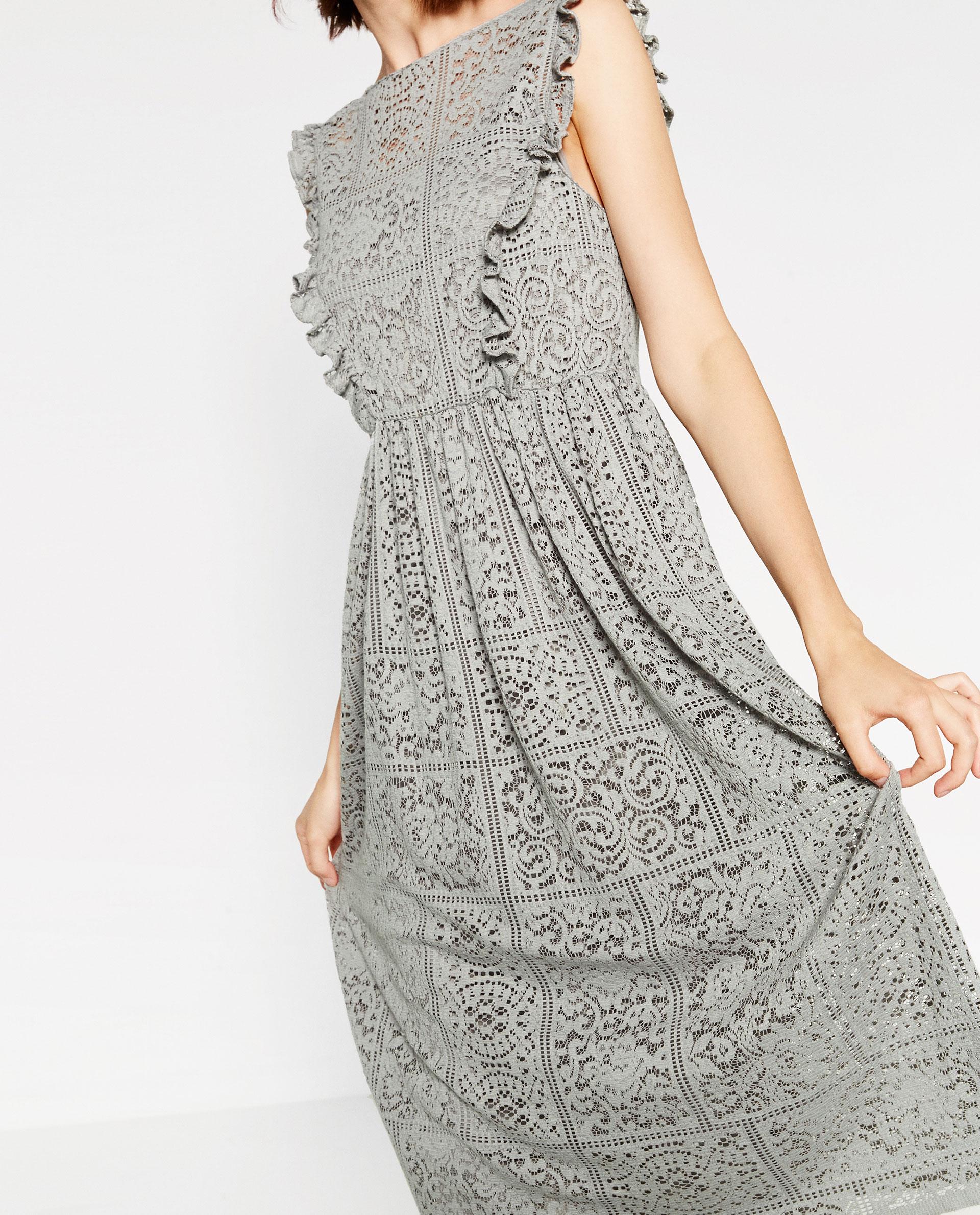 vestido gris zara encaje invitada boda