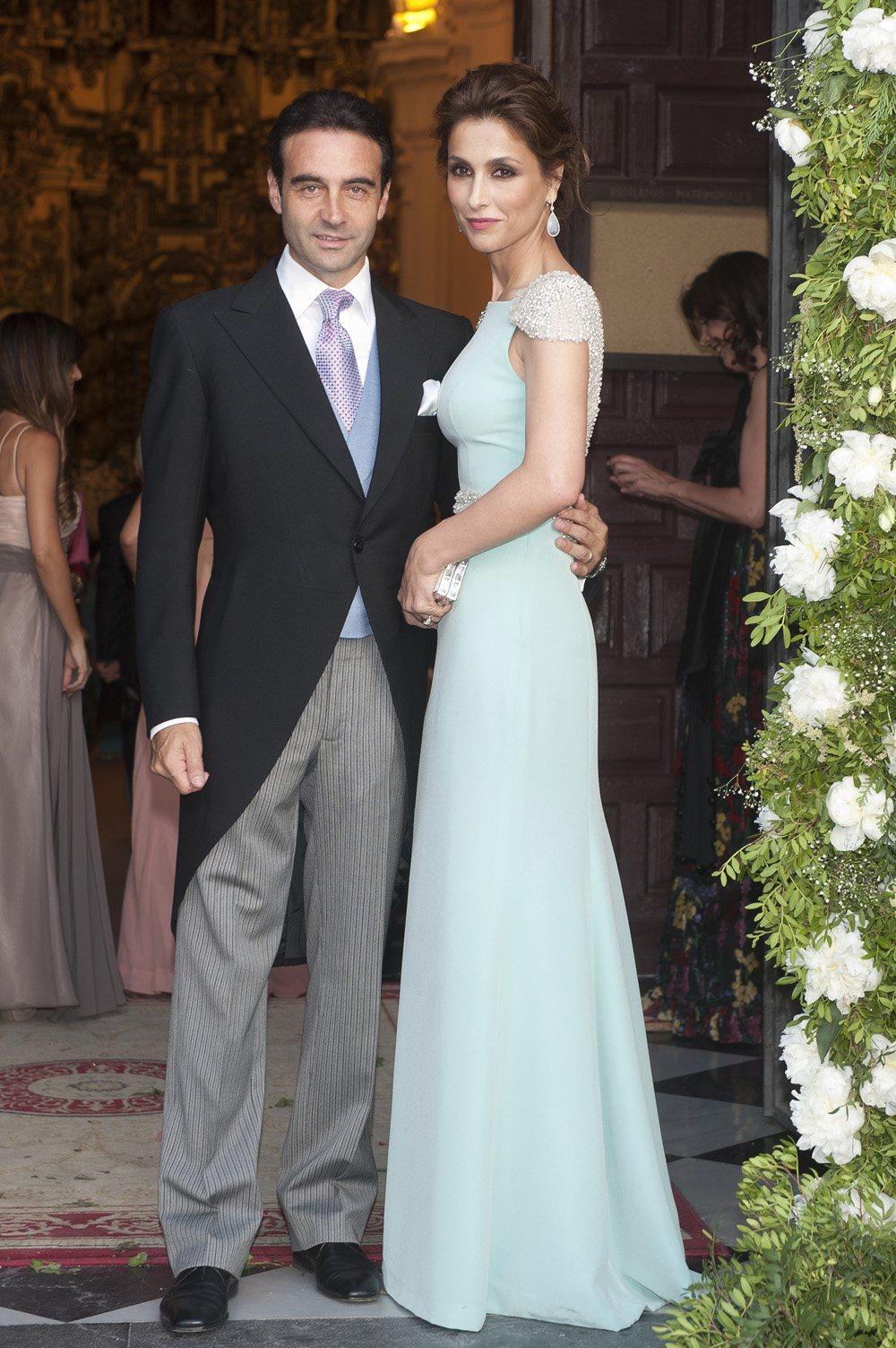 Paloma Cuevas invitada boda rosa clara