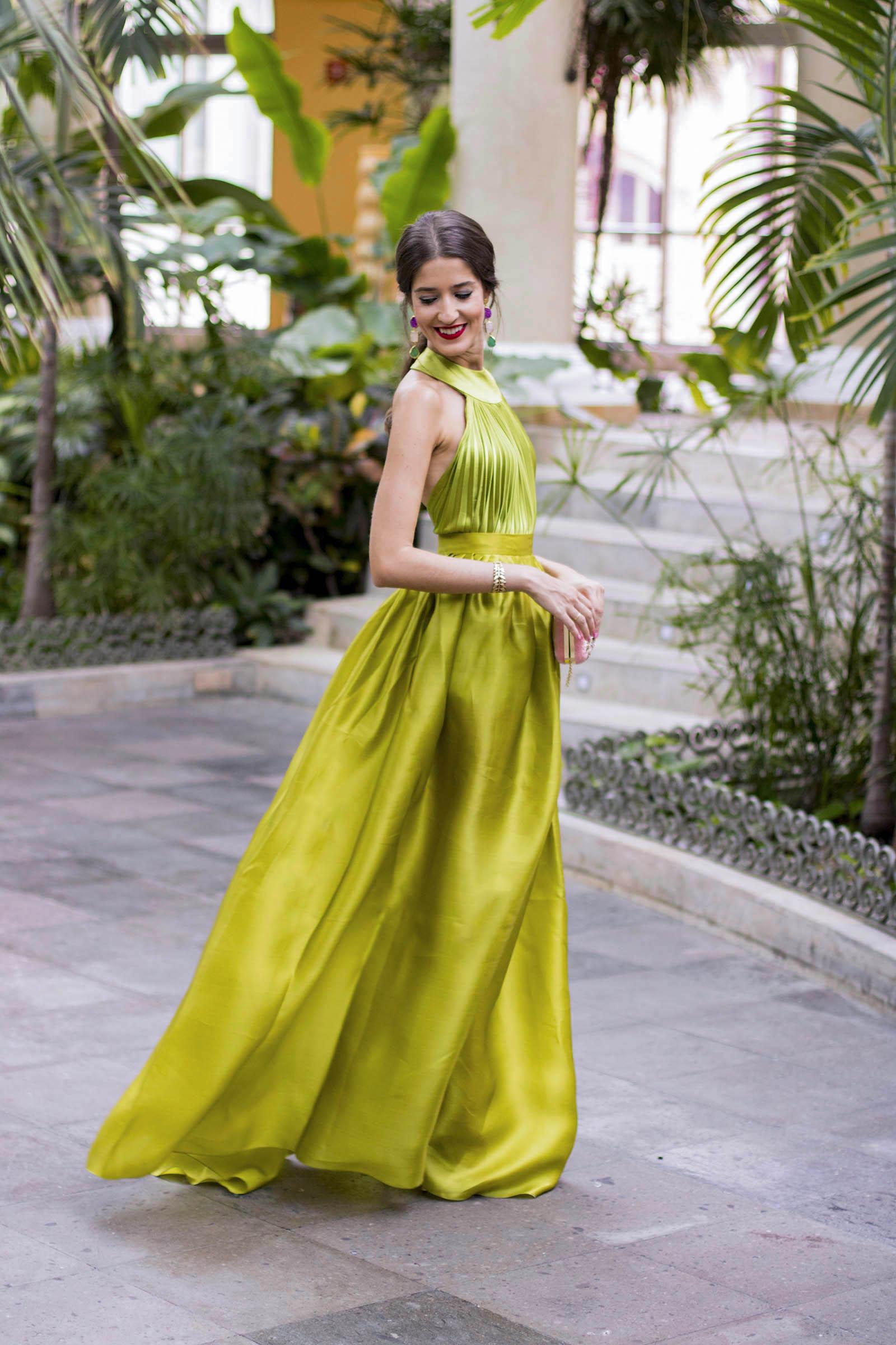 Invitada boda noche vestido largo verde