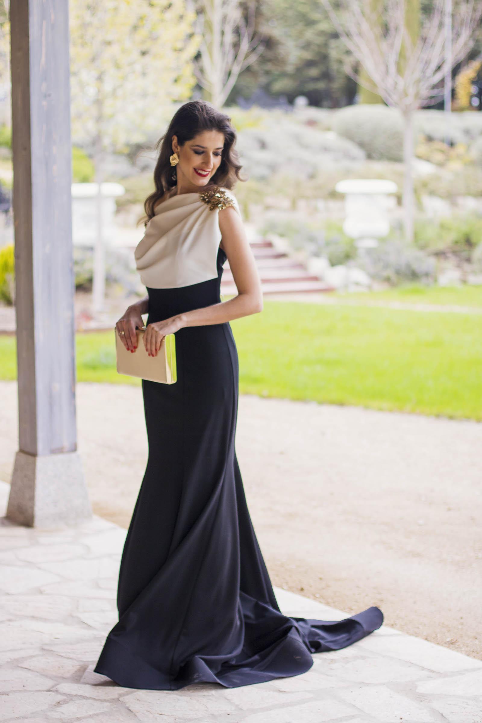 Look hermana de la novia con vestido de Carmen Horneros 3