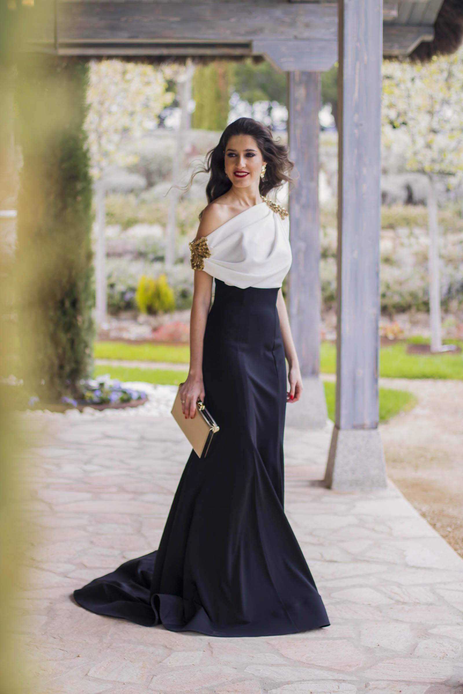 Look hermana de la novia con vestido de Carmen Horneros 7