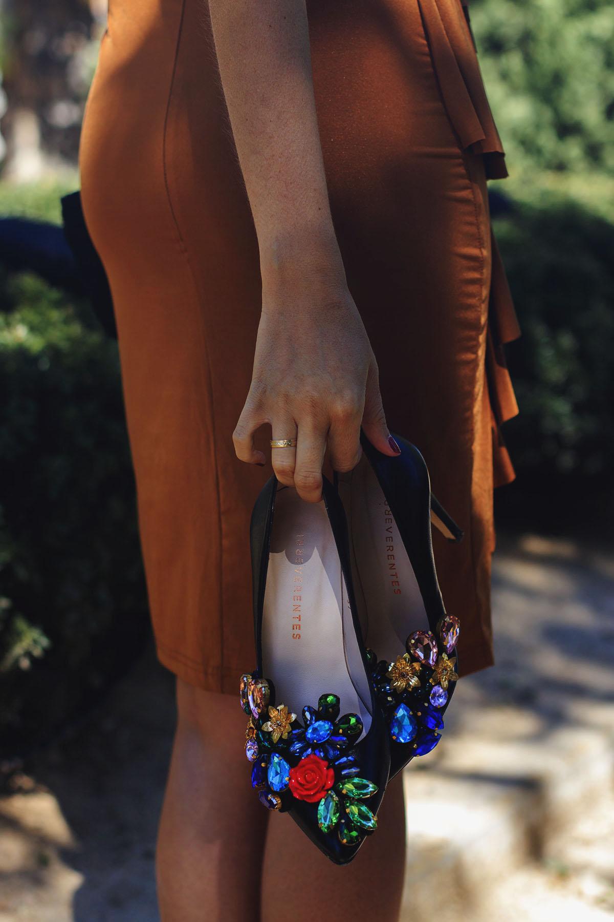 Zapatos invitada negros con pedreria