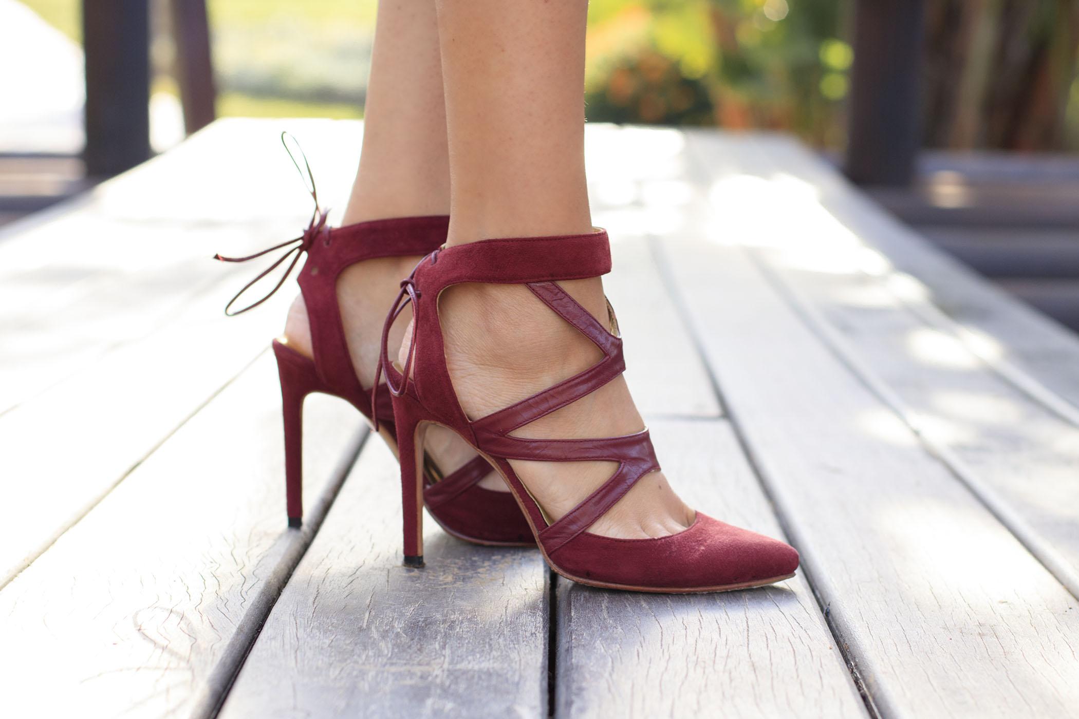 Zapato persoanlizado granate novia invitada