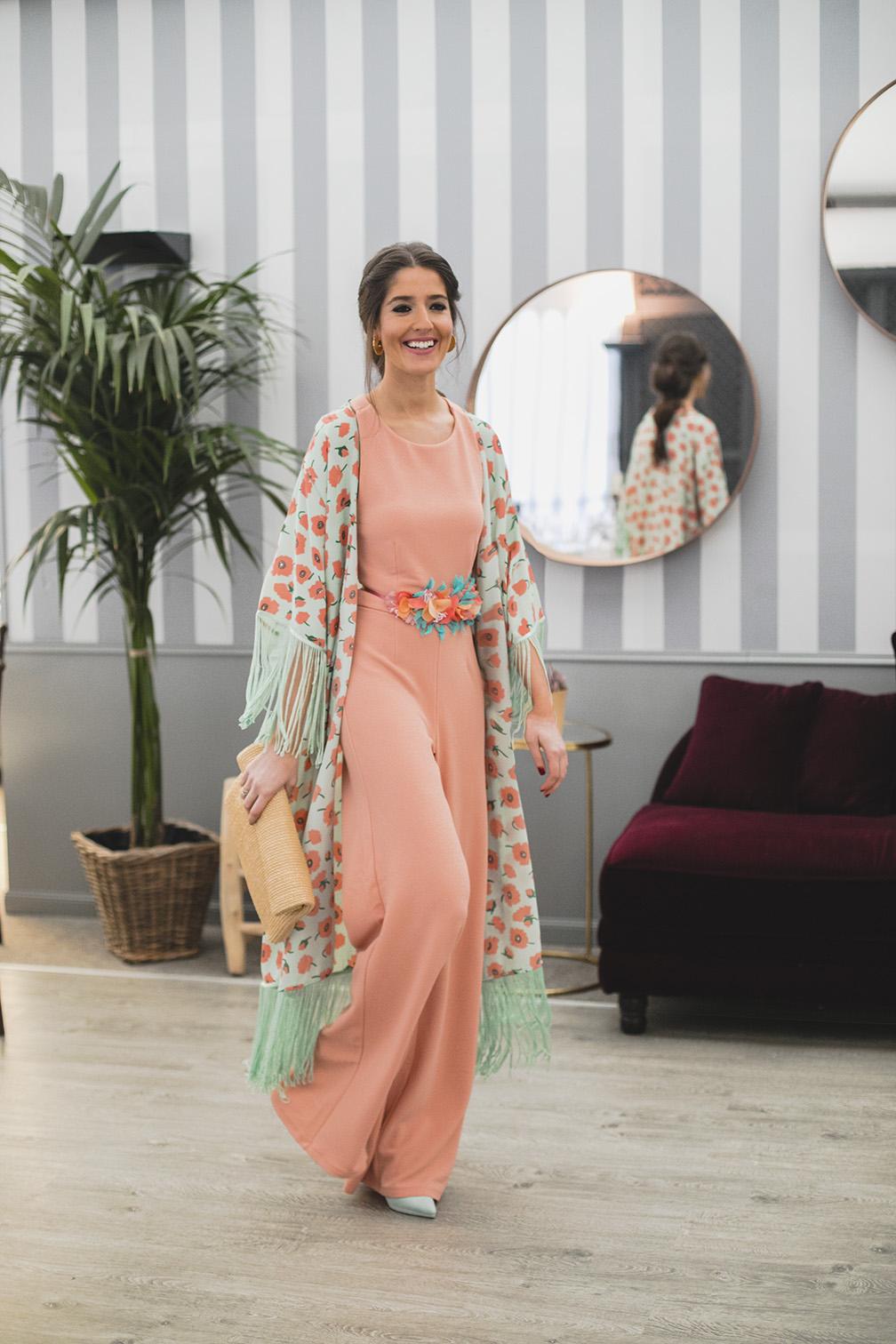 Look invitada 2018 boda bautizo comunion mono espalda kimono