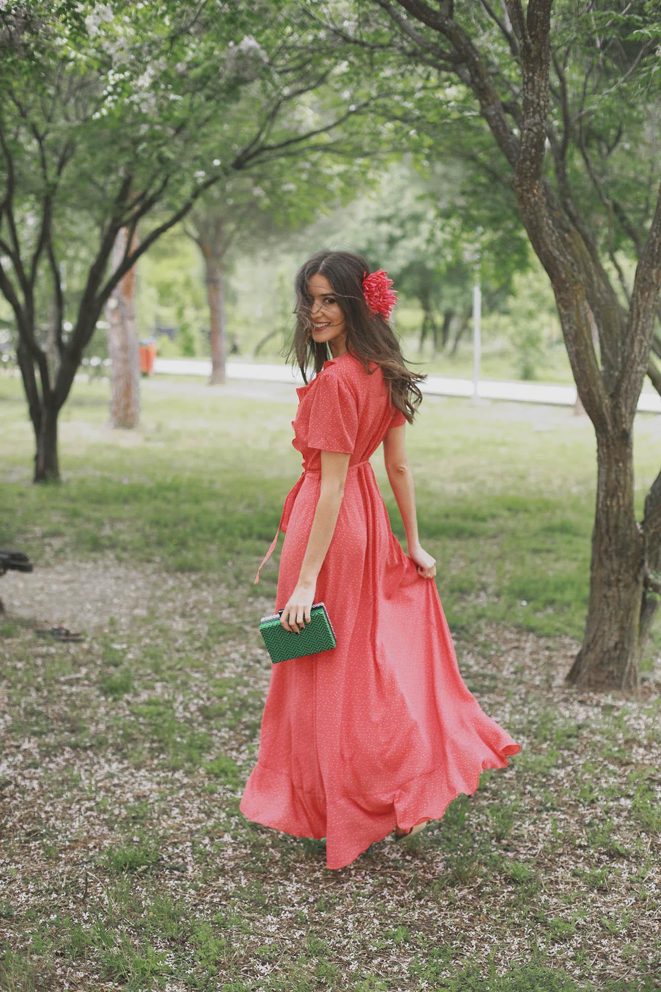 Look invitada boda noche 2018 vestido largo camisero lowcost