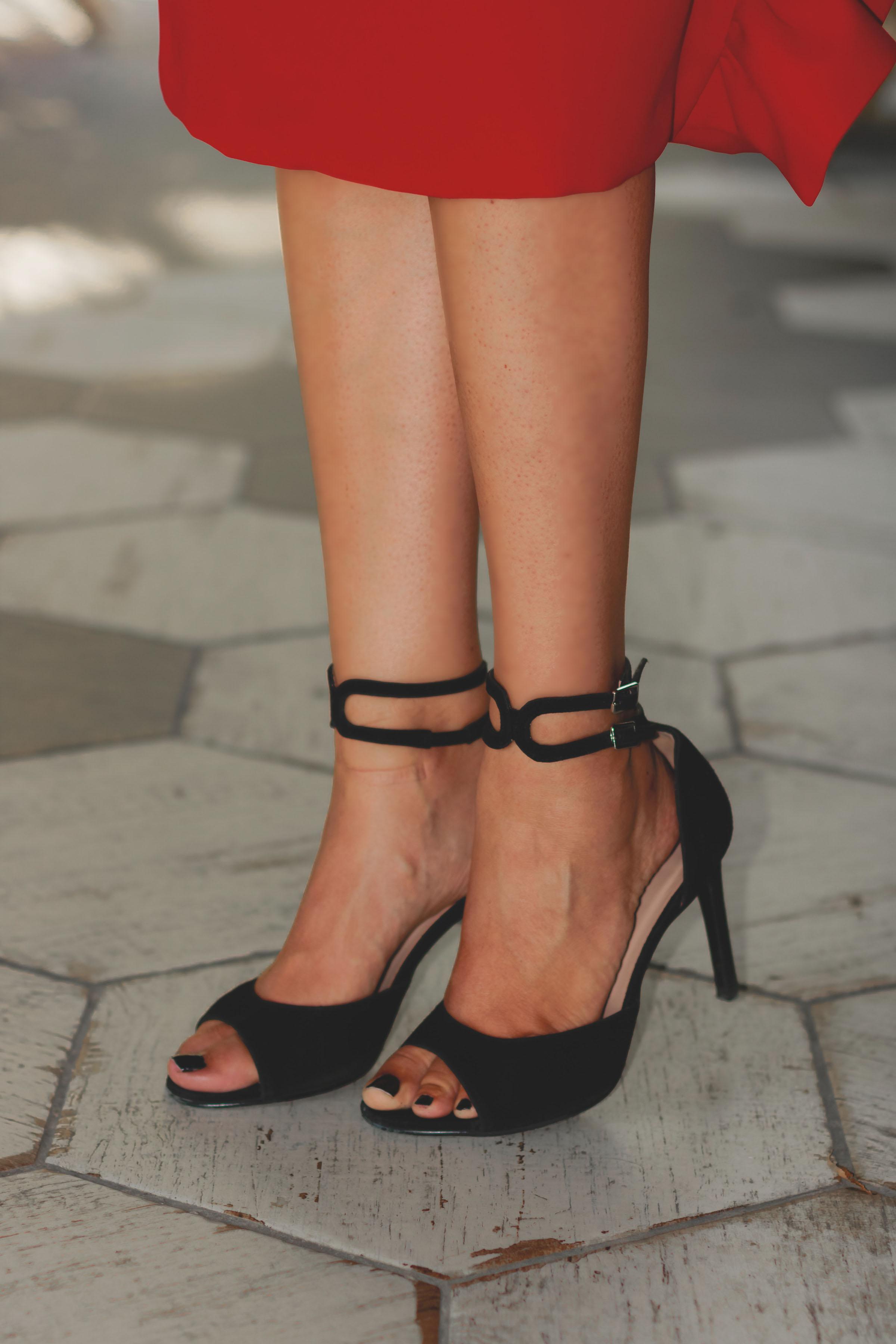 Sandalias negras salo madrid invitada perfecta