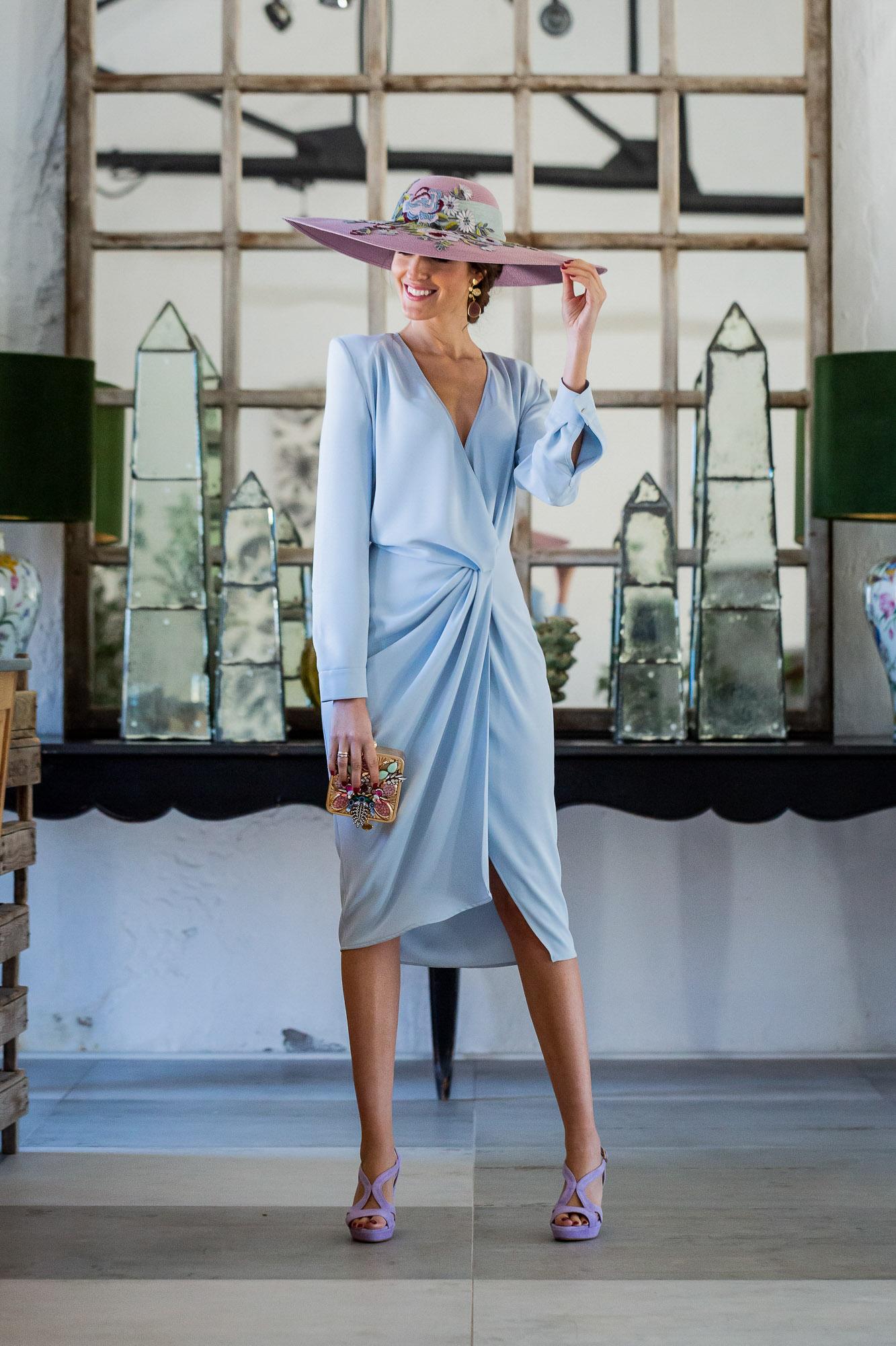 Look invitada boda 2019 vestido azul comunion pamela lila