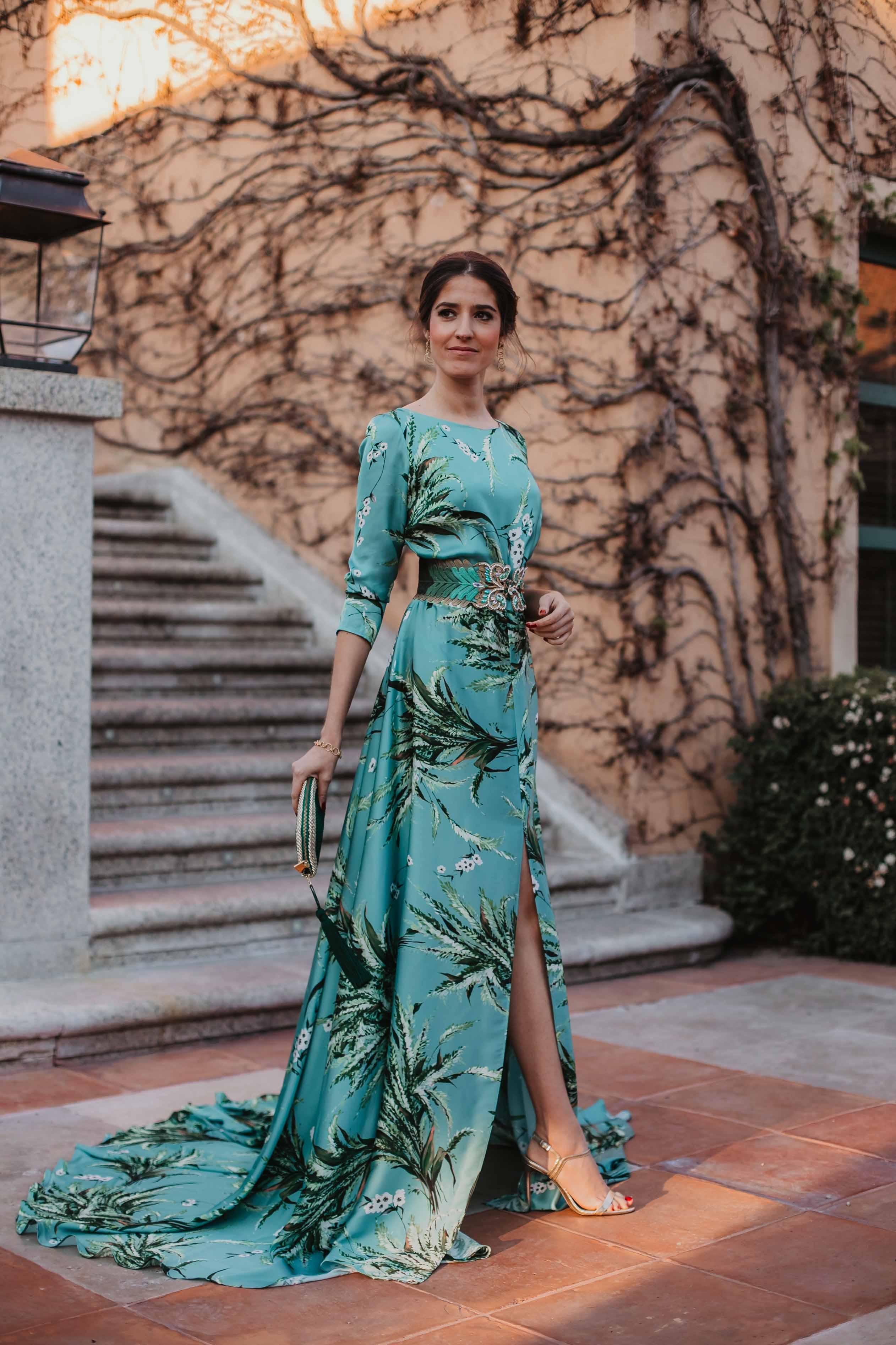 vestido estampado largo look invitada