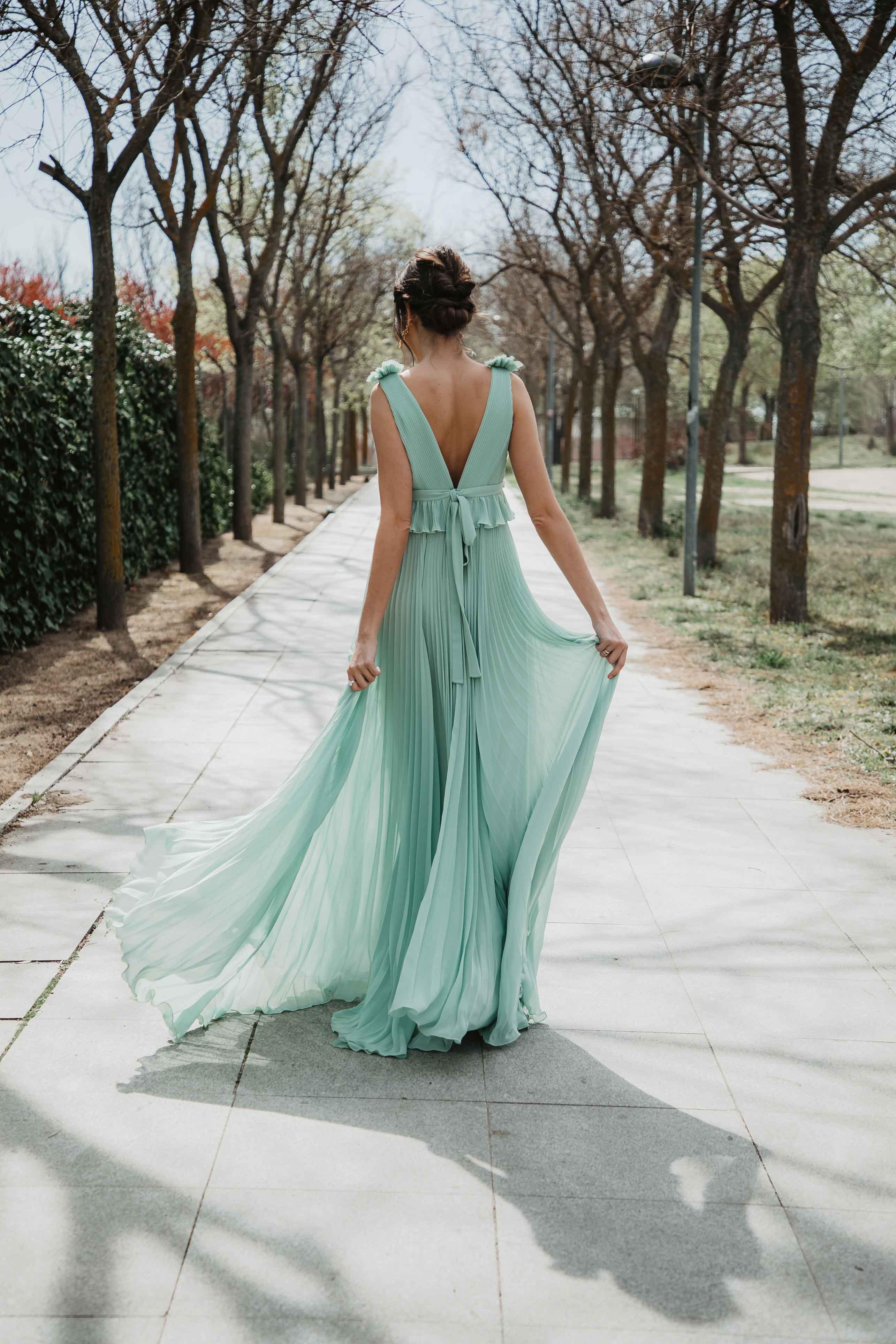 look invitada boda noche vestido largo