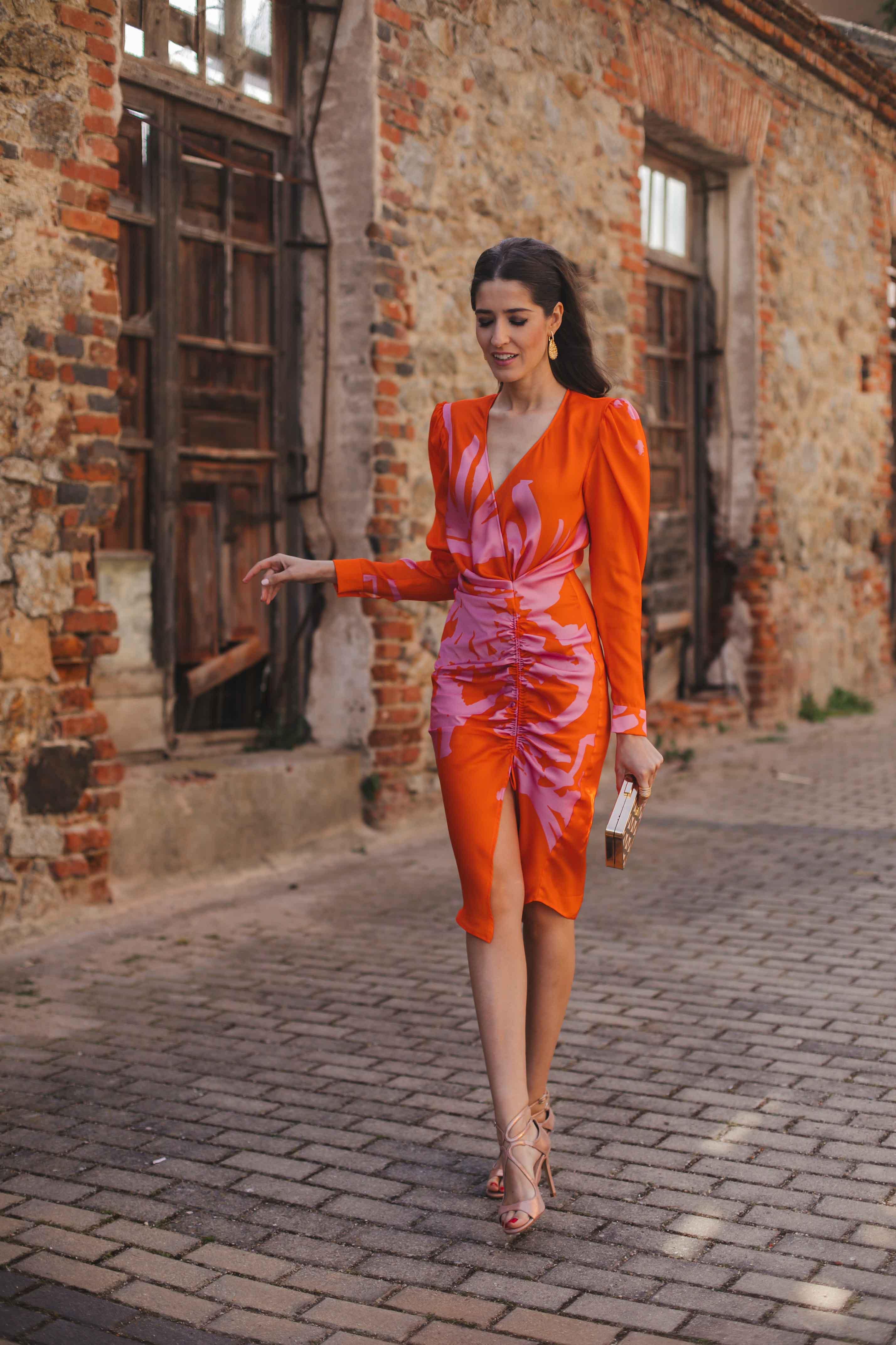 Look invitada boda mañana vestido naranja