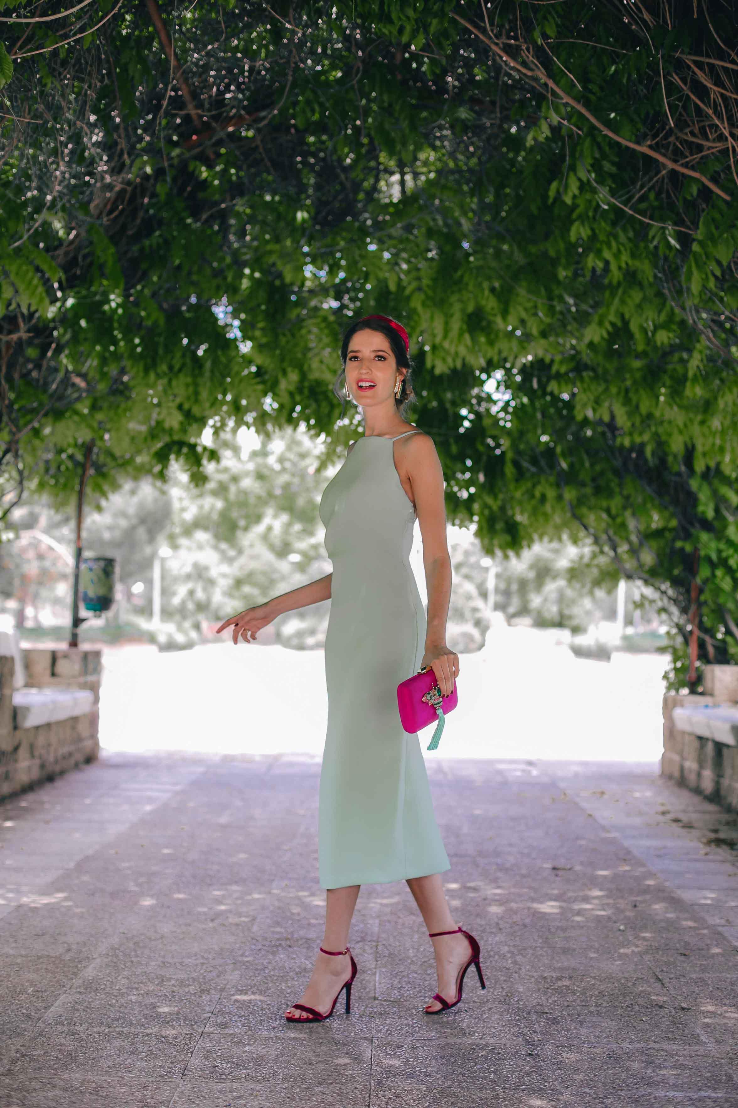 Look invitada boda vestido mint