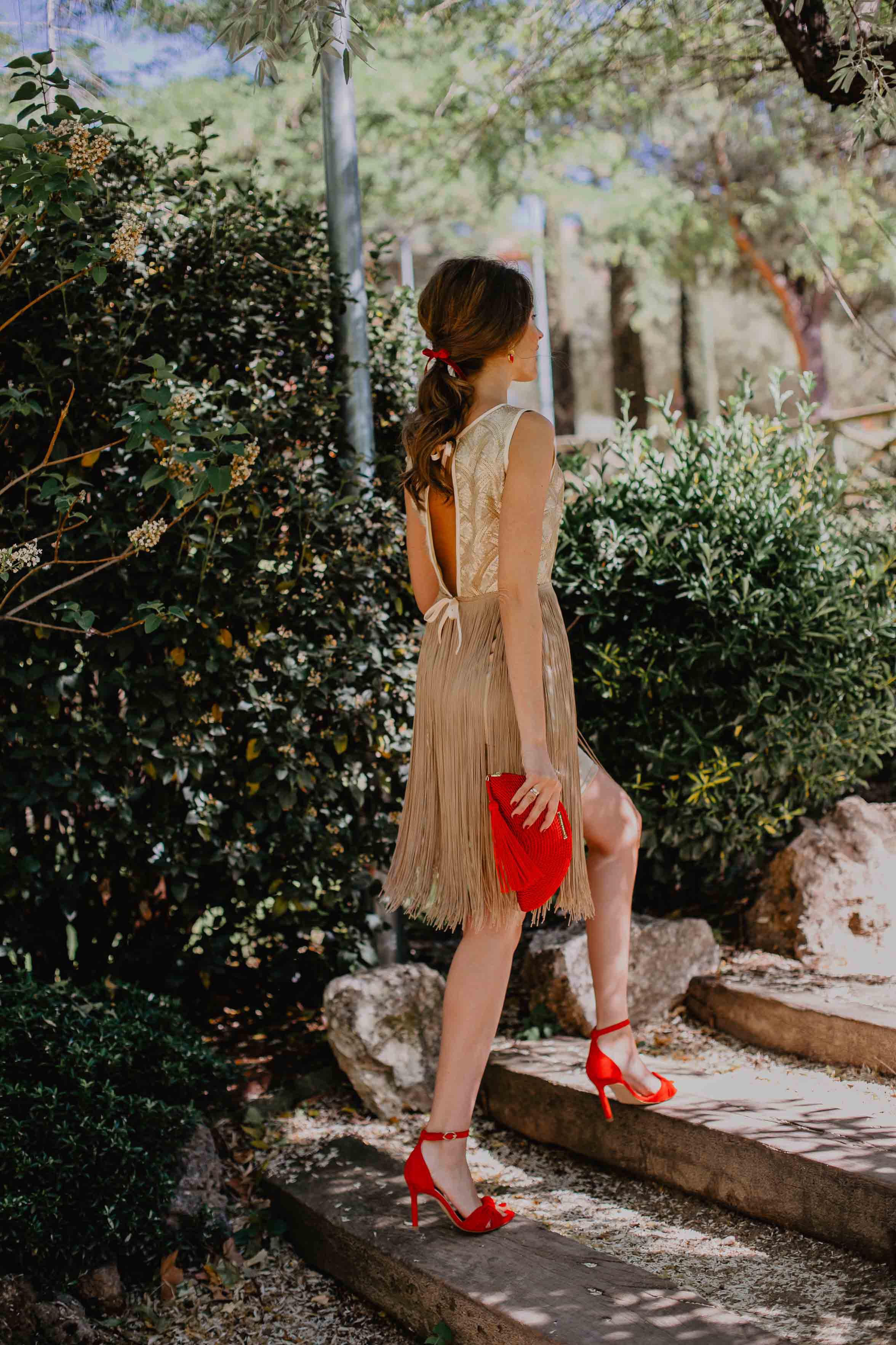 look invitada boda vestido flecos