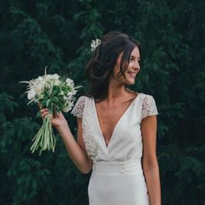 Vestido novia escote pico Laure de Sagazan