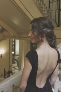 Recogido bajo vestido espalda Pronovias