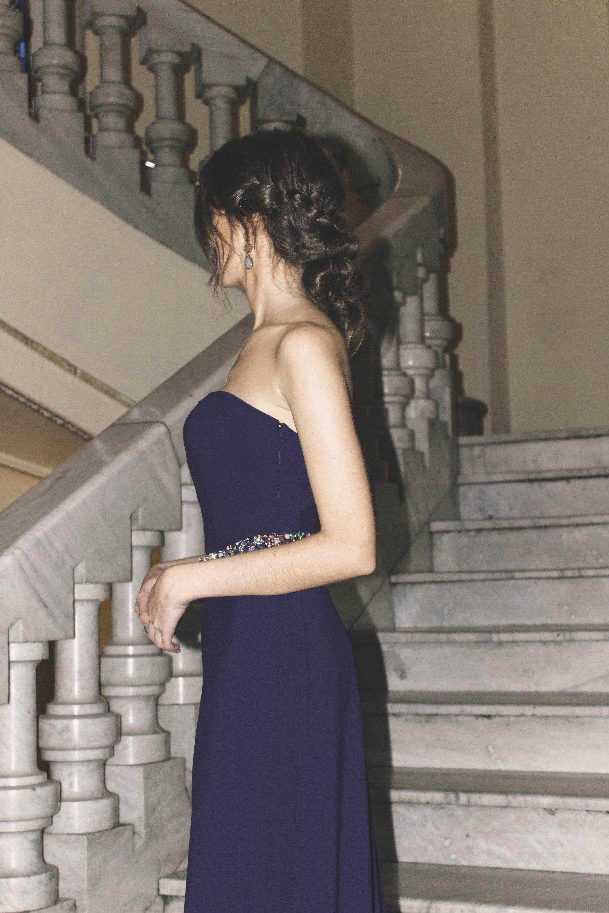 Vestido Fabiola de Pronovias y clutch de Dresseos