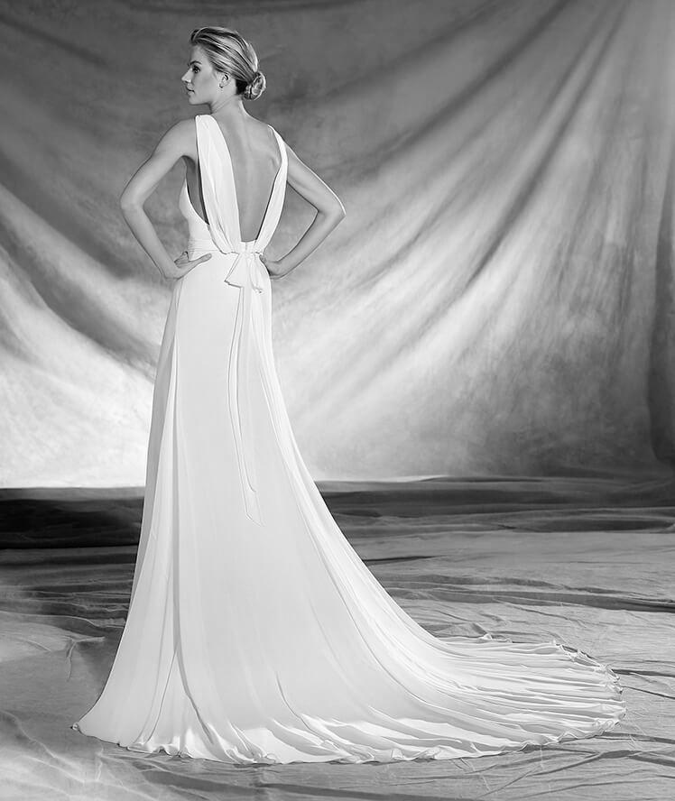 Vestido de novia modelo Oslo de Pronovias 2017