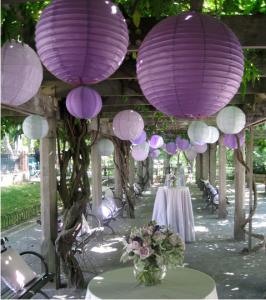 Farolillos de papel como decoración de boda