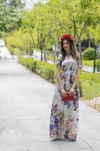 Vestido largo flores Eturel con tocado