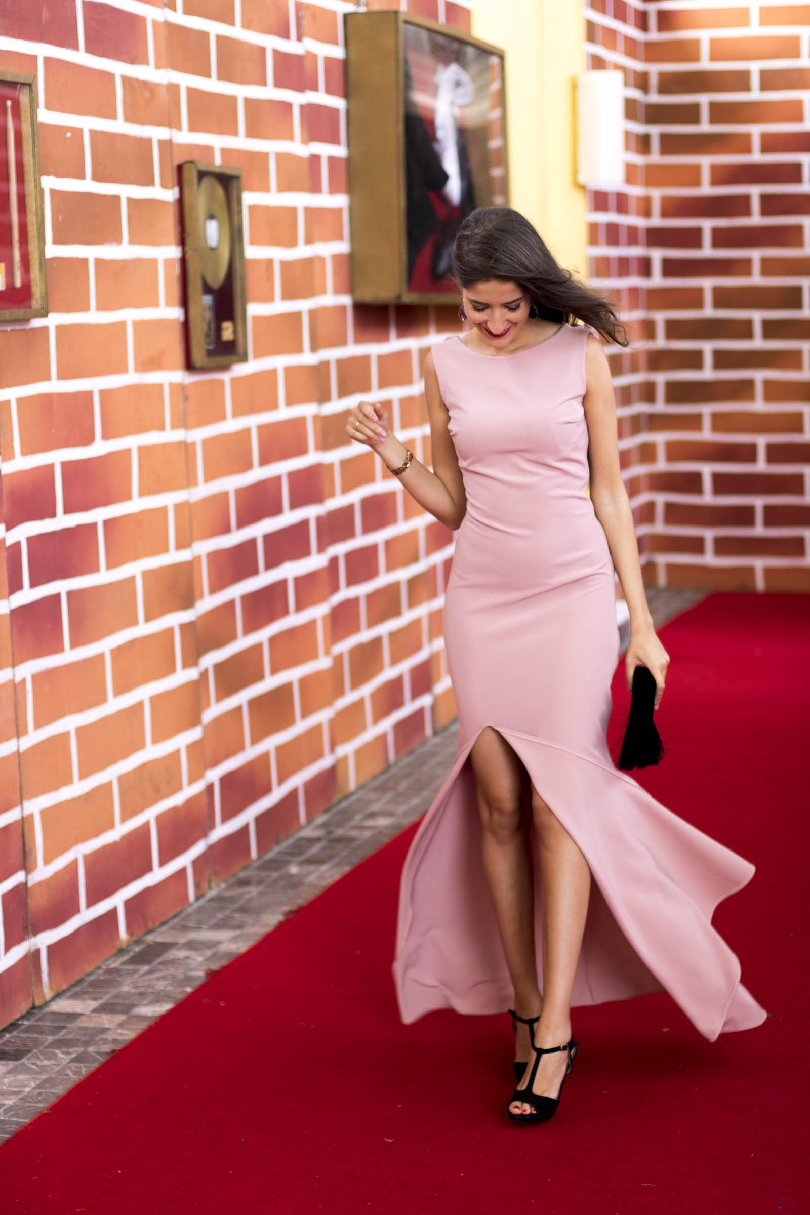 invitada-boda-noche-vestido-rosa-espalda-caireles-16 – Invitada ...