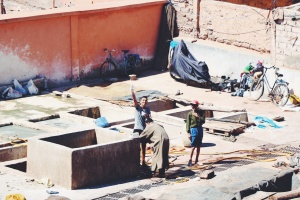 Tintoreros en Marrakech
