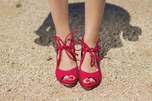 Zapatos personalizados rojos invitada boda