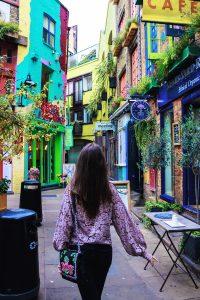 calles bonitas Londres plaza colores Neals Yeal