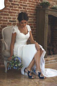 sandalias azul ramo azul novia