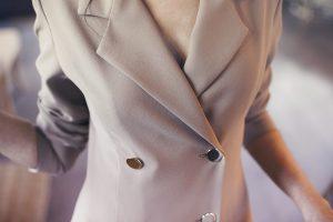 Look invitada boda bautizo comuniones vestido blazer