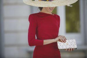 Look boda mañana otoño vestido tubo pamela silvestre invitada coleta Lolali Ruth Roldan foto