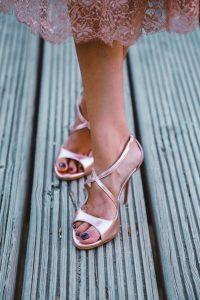 sandalias doradas oro rosa invitada novia invitadisima