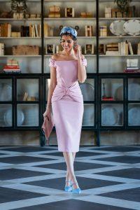 Look inivtada perfecta boda comunion bautizo 2019 primavera verano vestido ajustado rosa