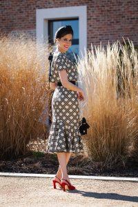 Look invitada boda comunion crop top falda volante Bgo and Me Blair Waldorf