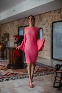 Vestido rosa mangas campana