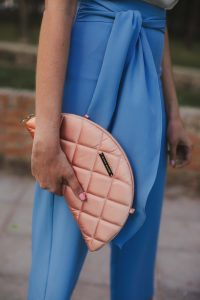 bolso rosa invitada