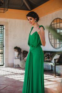 Vestido largo verde keira knightley invitada