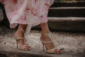 Sanalias doradas nude invitada novia