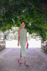 Look invitada boda vestido mint