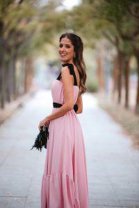 look invitada perfecta rosa