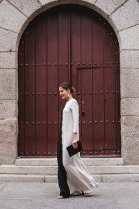 Look invitada boda blanco negro
