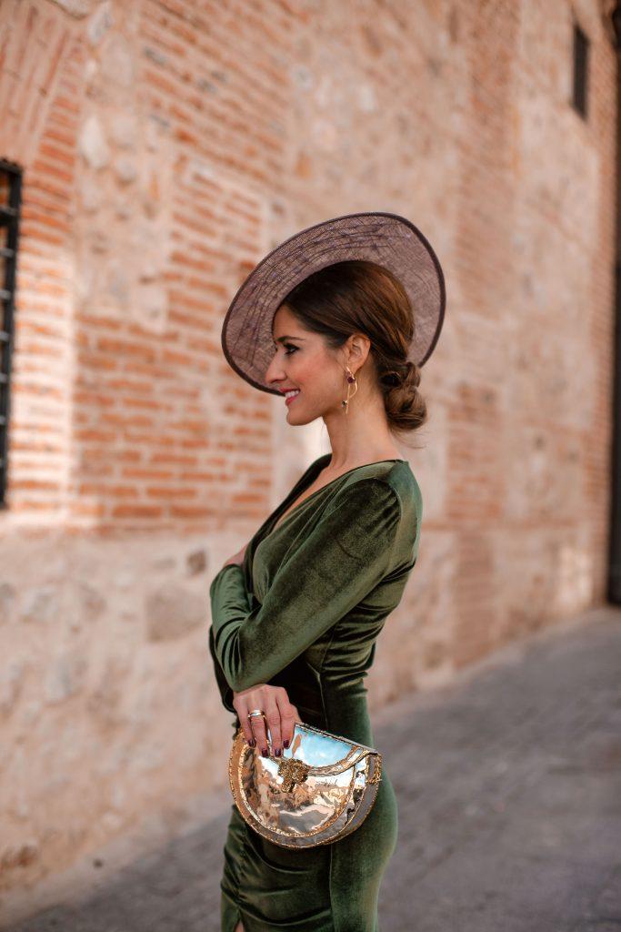tocado invitada vestido verde