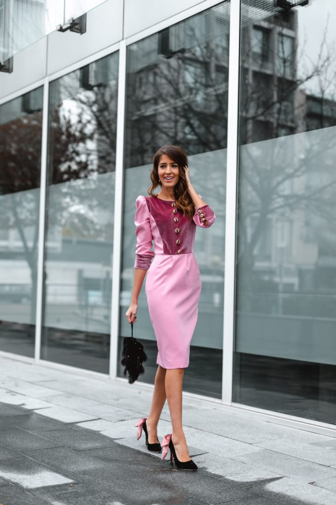 vestido rosa terciopelo invitada boda