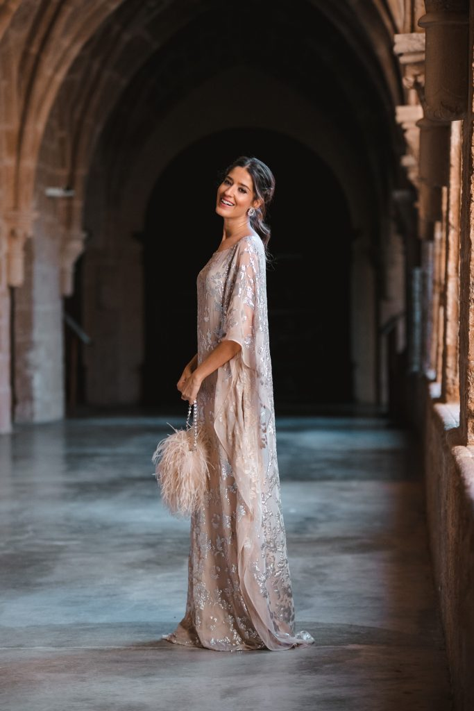 look invitada boda kaftan