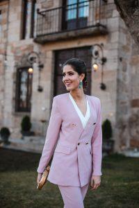 look traje chaqueta invitada boda