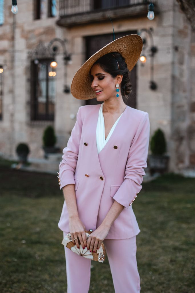 look invitada boda traje chaqueta