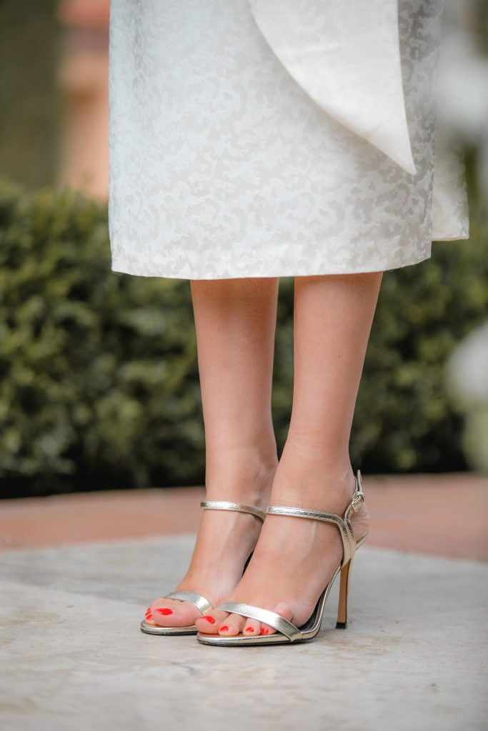 sandalia dorada tiras