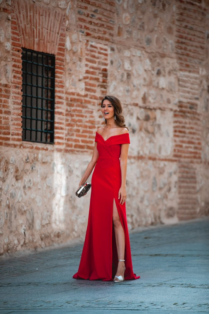 Invitada perfecta vestido rojo largo