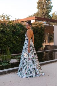 look invitada boda playa